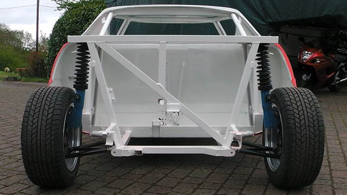 Stratos rolling chassis3 paintwork.jpg