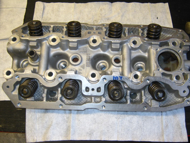 MT VX assembly of head with valves (6).JPG