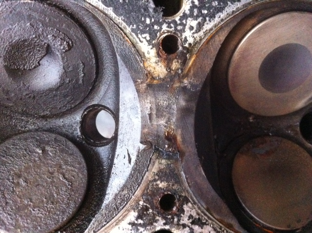 Head Gasket Gone Between 3 and 4-002.JPG