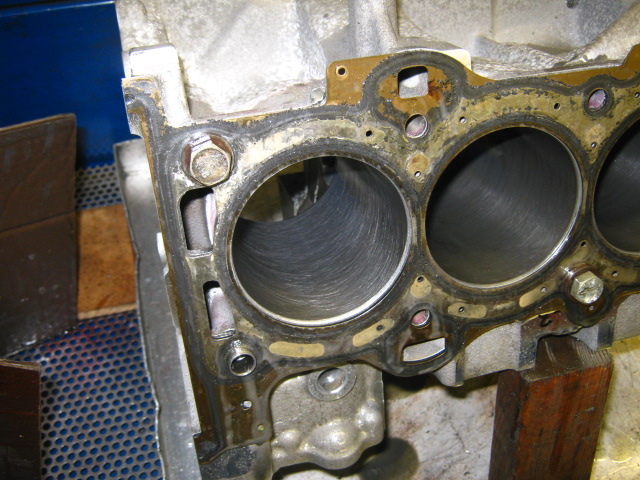 TN Duratec_ microhoning at 180 silicon carbide for chrome-faced Ford rings (1).JPG