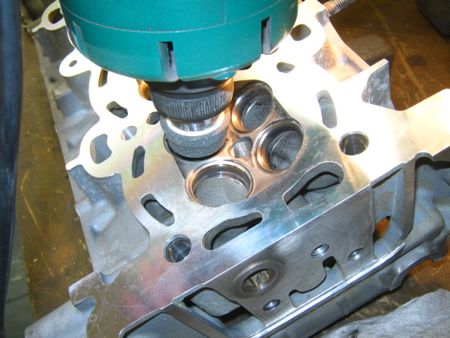 TN Duratec_in valve seat grinding.JPG