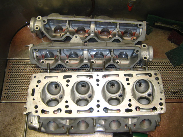 AP 2 liter head cleaning after beadblasting, washing again...JPG