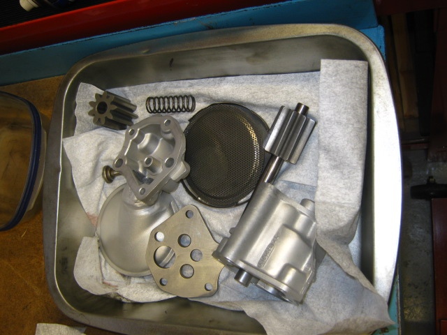 AP oil pump overhaul (1).JPG