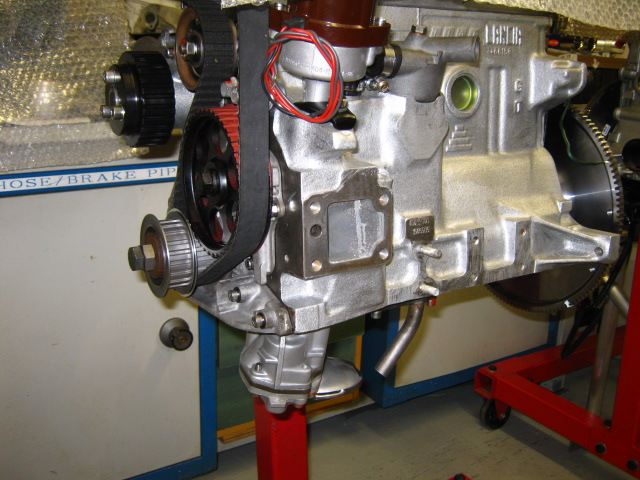 AP 124_oil pump & head (10).JPG