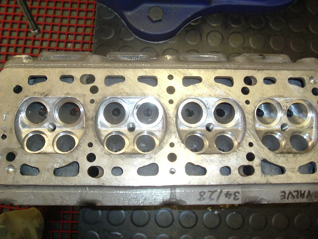 MW 124 16v cc's dressed and seat bores prelim machining prior to full inlet porting.jpg