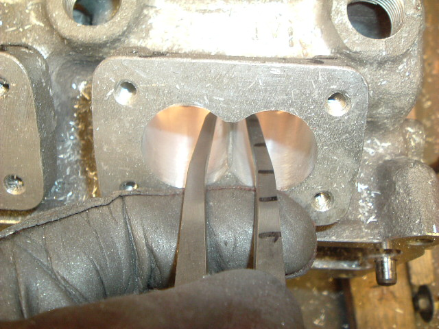 MW 124 16v porting 012, checking splitter thk with calliper.jpg